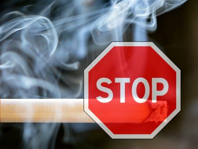 smoking-1111975_1280